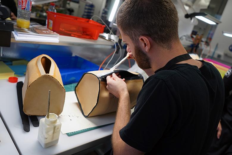 Spécialité cuir ISTA : conception et fabrication d'un article de maroquinerie